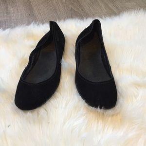 EUC Merrell Suede Black Flats Size 10